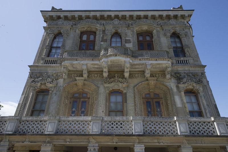 Istanbul Kucuksu Palace May 2014 8866.jpg