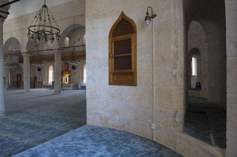 Urfa Salahiddini Eyubi Mosque september 2014 3451.jpg