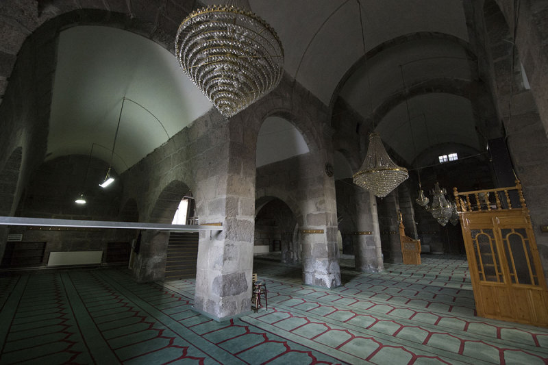Kayseri Emir Han Turbesi and Camii september 2014 2397.jpg