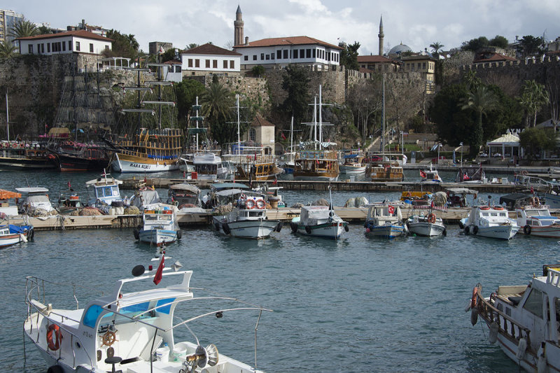 Antalya Harbour Area feb 2015 4767.jpg