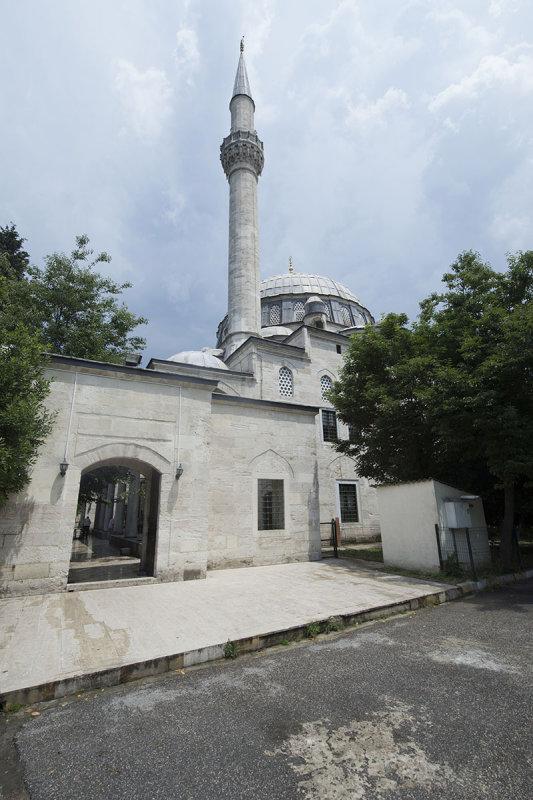 Istanbul Nisanci Mehmet Pasha mosque 2015 9286.jpg