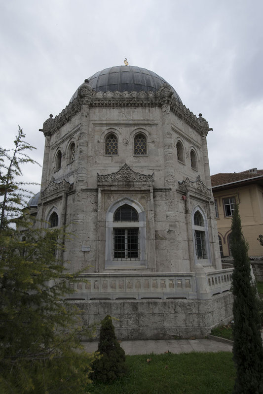 Istanbul Reshat Han t�rbesi Eyup december 2015 5087.jpg