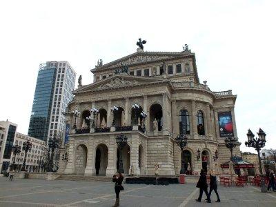 The <a href=http://www.frankfurt.de/sixcms/detail.php?id=5021810&_ffmpar%5B_id_inhalt%5D=177762 >Frankfurt Opera House</a>
