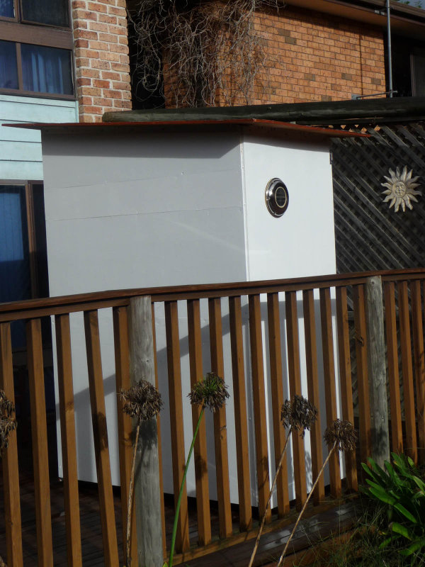Shed -03 Sun Side White