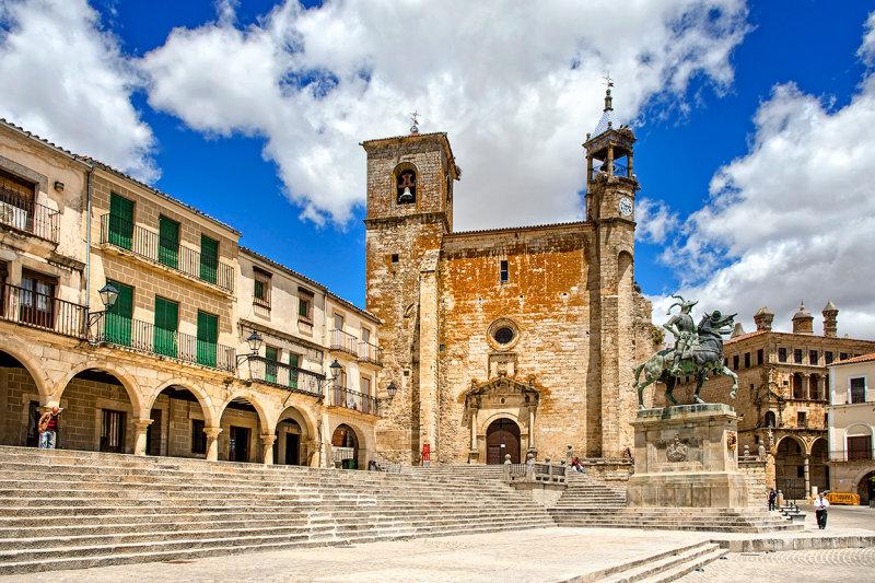 Pizarro Statue and San Martin Church, Trujillo