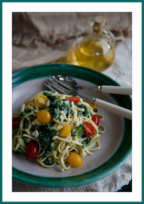 Linguine with Fresh Spinach and Gorgonzola