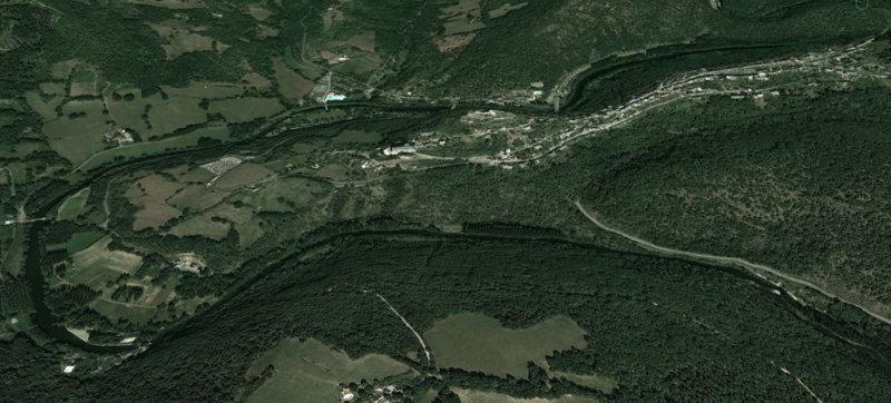 Najac on its ridge above the Aveyron River.