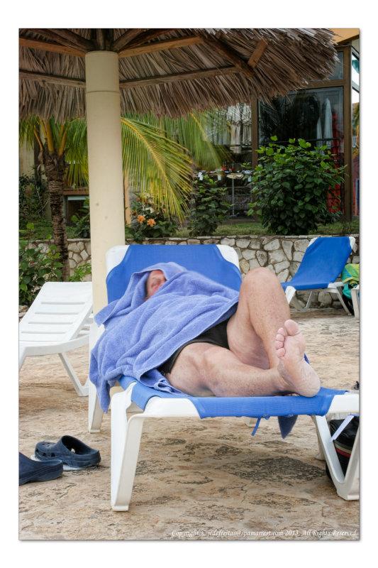 2012 - Im only sleeping - Ken - Hotel Sol Rio de Luna y Mares, Holguin - Cuba