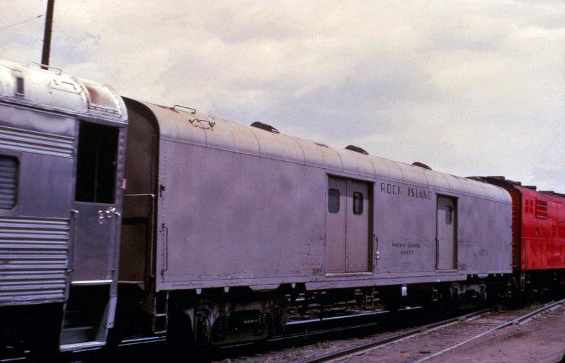 RI 4374 - baggage car