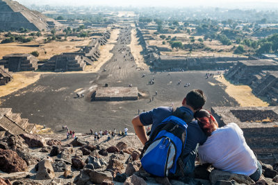 Couple viewing Avenue of the Dead, Teotihuacán