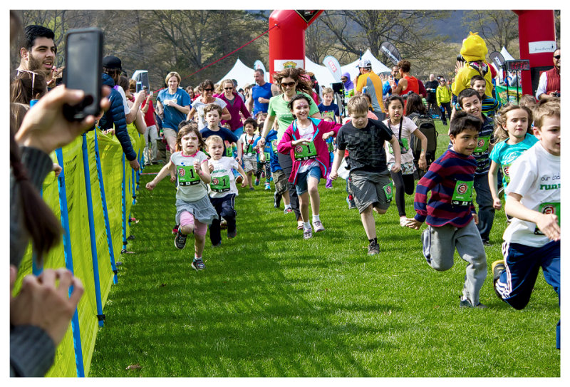 The kids fun run - and they are off!