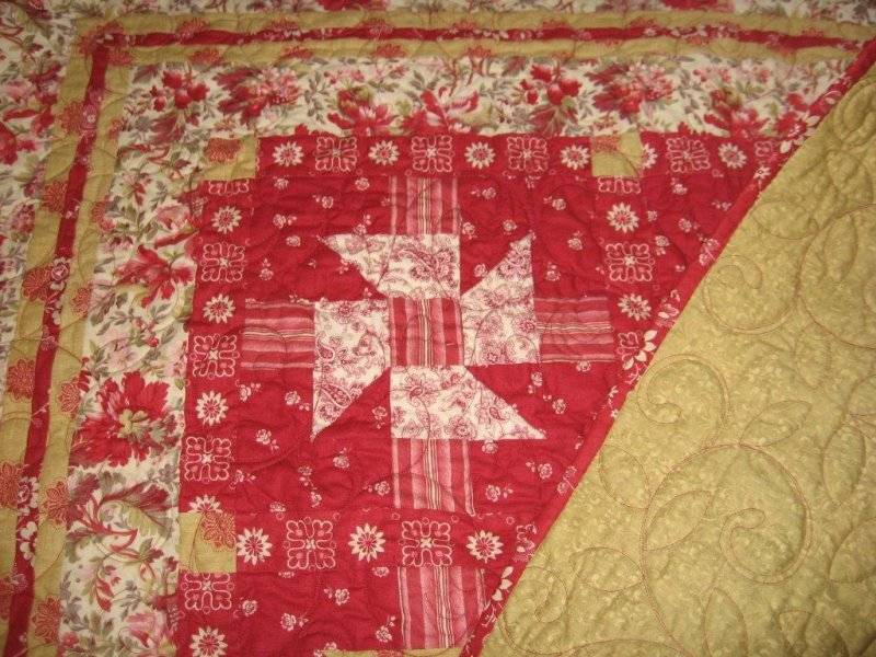 2013 Holiday Quilt Detail