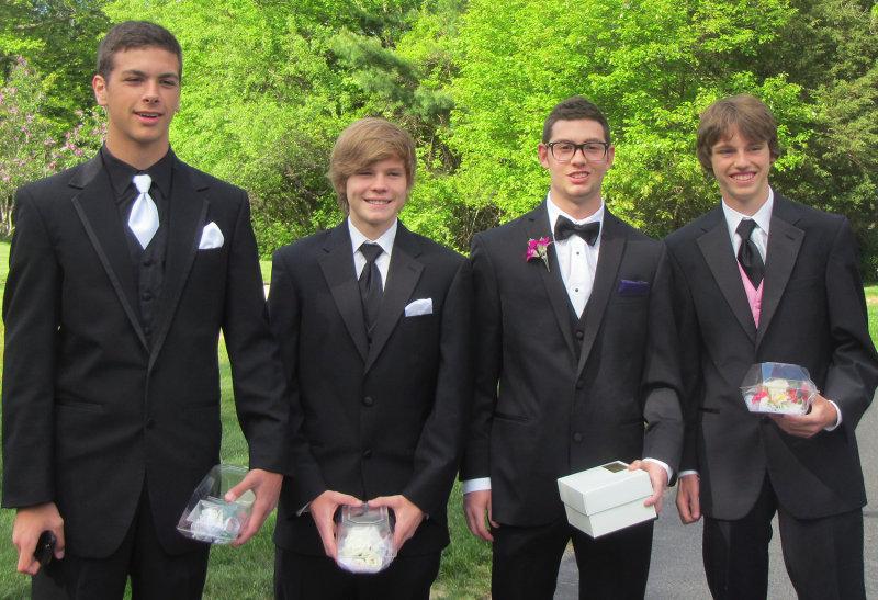JonCarlo and friends, Prom Night
