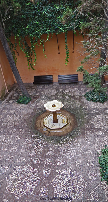 The Fountain in an Small Alcove