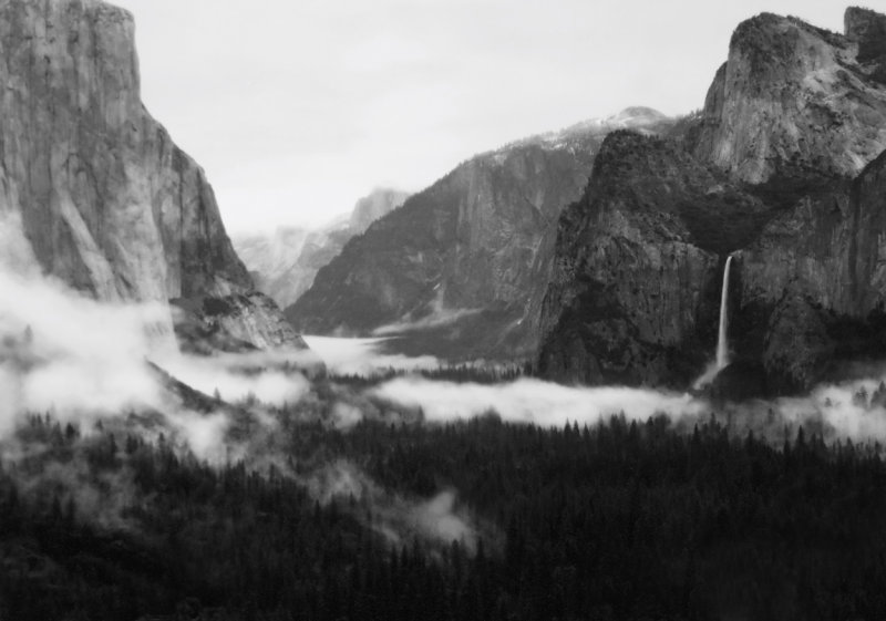 Foggy Yosemite Valley - Tunnel View late April copy.jpg