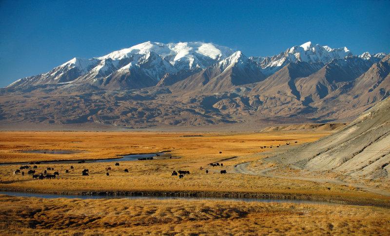 View from the Karakoram Highway near Tashkurgan, Xinjiang, China