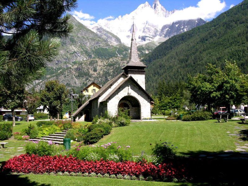 <strong>Chapelle des Praz<br>The chapel in Les Praz</strong>