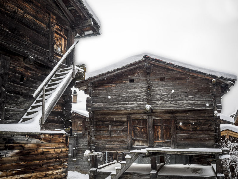 Traditional storage houses