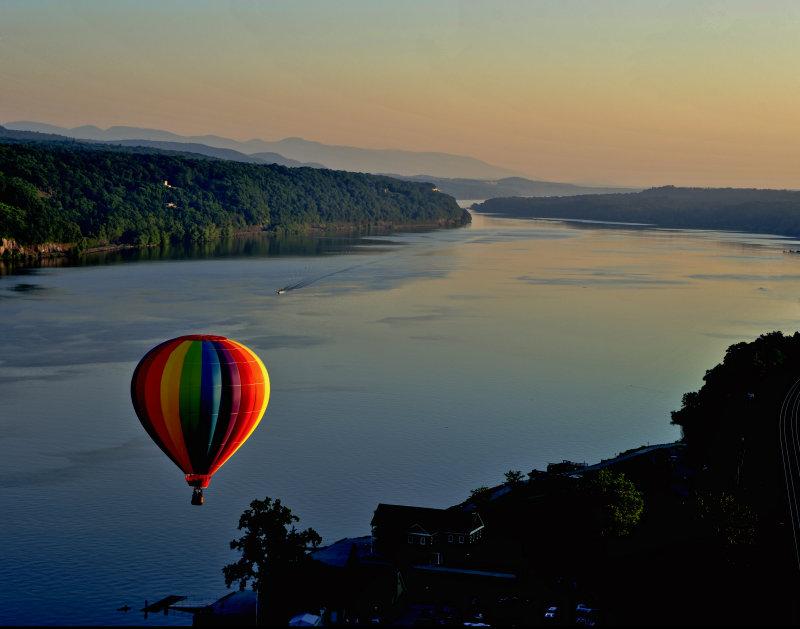 Jul  Hot Air Ballooning.jpg