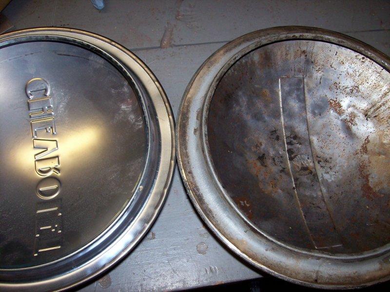 AD 3600 hubcap, org vs repop 03.JPG