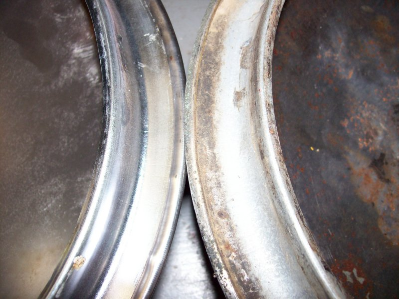AD 3600 hubcap, org vs repop 04.JPG