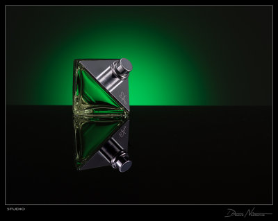 perfume_frame.jpg
