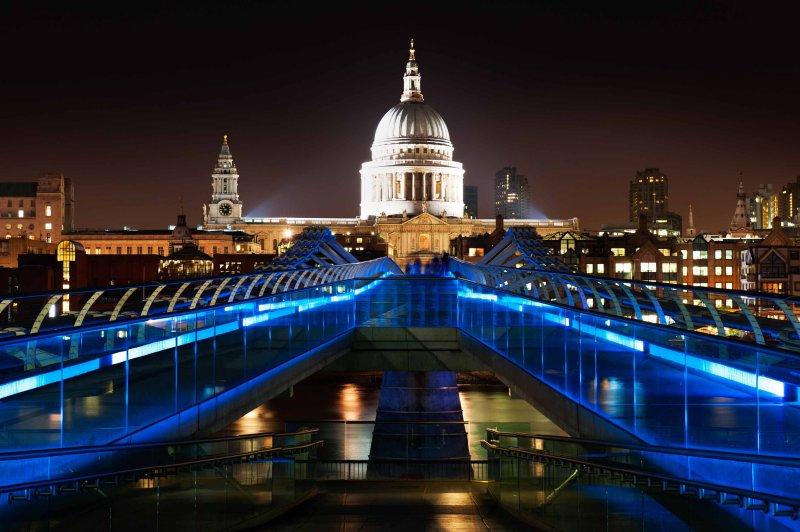 St. Pauls Cathedral and Millennium Bridge
