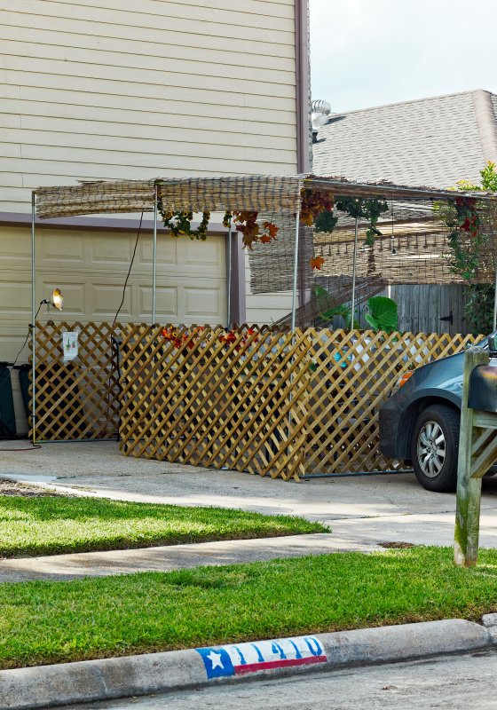 Sukkah 11410 Woodknoll Lane