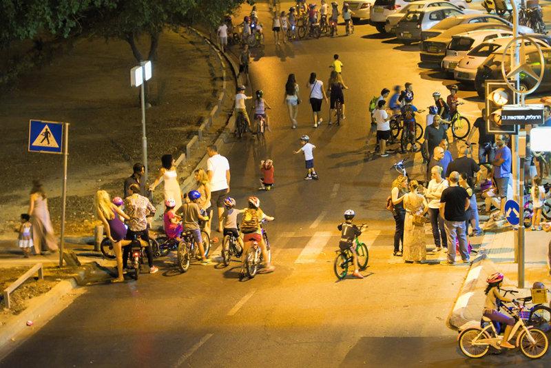 Erev Yom Kippur 2 in my street
