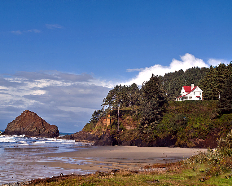 Haceta Head Lighthouse Keepers home from the beach.