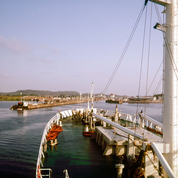 A_055_img_0242.jpg The MV Glasgow Clipper entering the Panama Canal on the 25th February - © A Santillo 2005