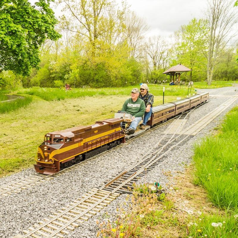 Peter Harts new train set