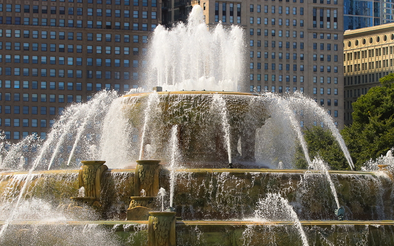 Close up of Buckingham Fountain in Chicago