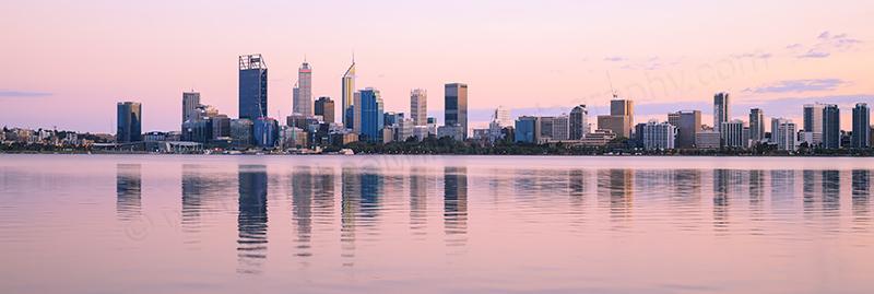 Perth and the Swan River at Sunrise 23rd April 2017.jpg