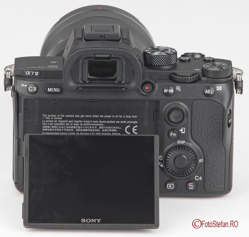 sony-a7-iii-LCD_02.jpg