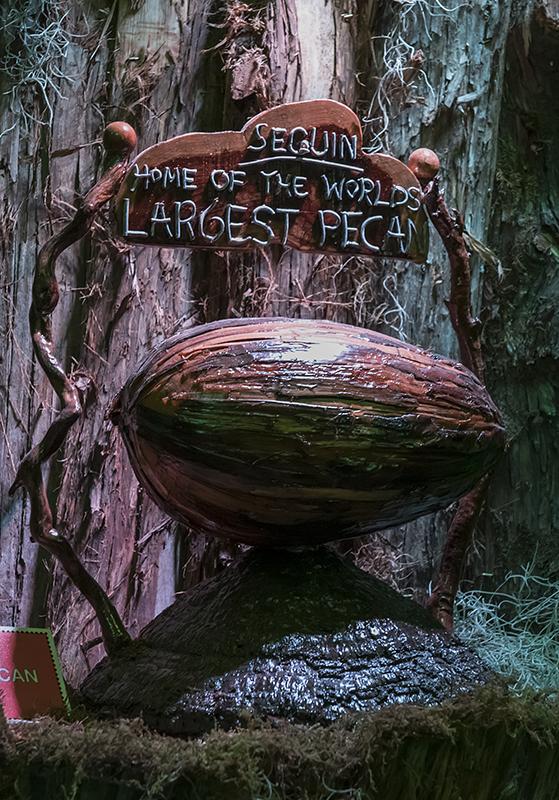 World's Largest Pecan, Brunswick, Missouri