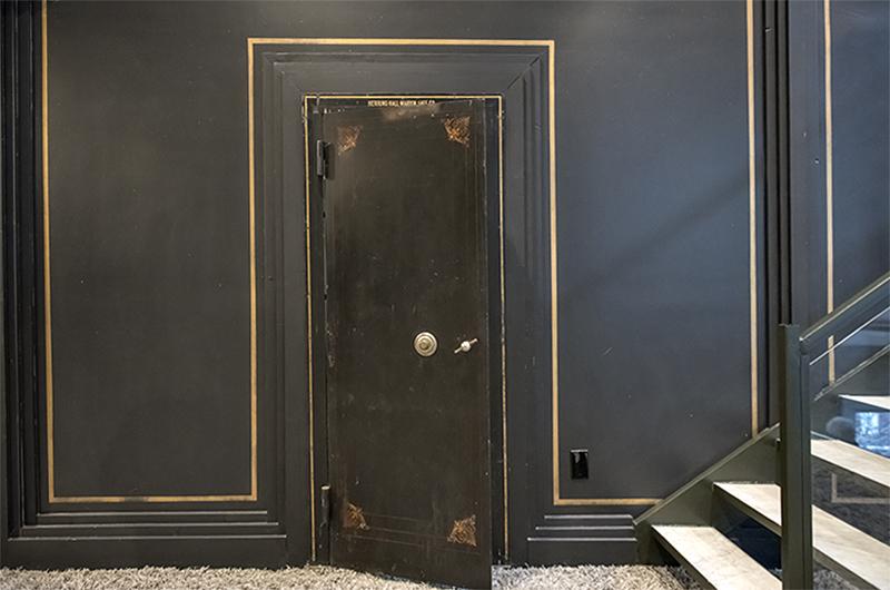 Penthouse: The vault