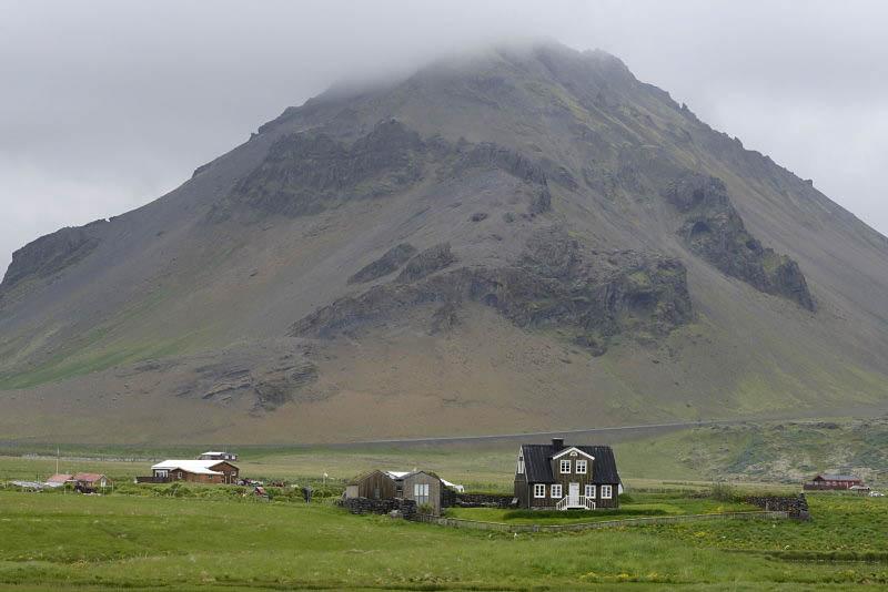 From Arnarstapi to Hellnar