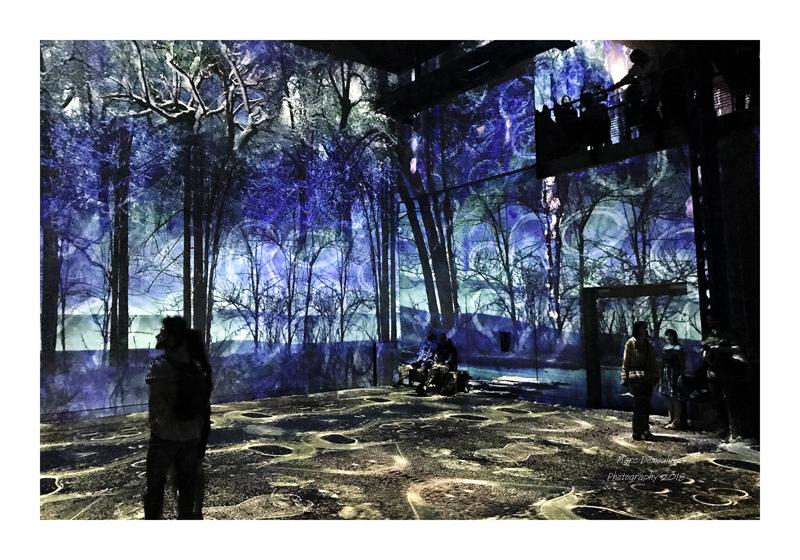 Light Show in lAtelier des Lumières Paris 2018 - 19