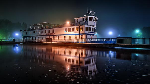 Kawartha Voyageur In Night Fog P1220972-8