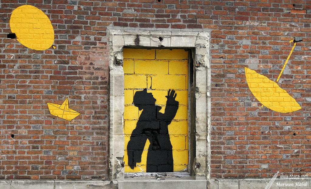 Yellow window / Fenêtre jaune