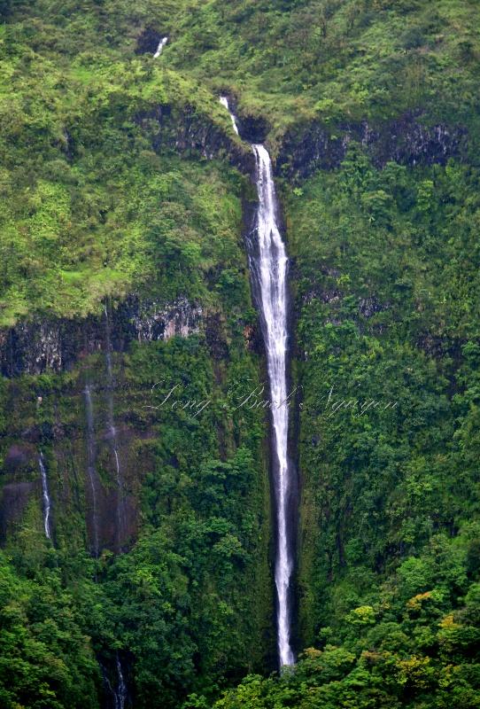 Waihi'umalu Falls nearby to Pu'ukue, Pu'uho'olio and Pā'ihi Gulch, Maui, Hawaii 278