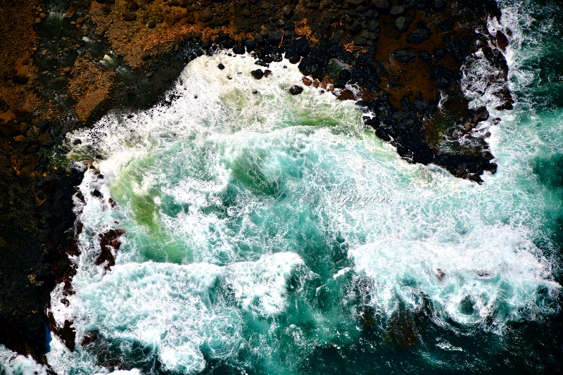 Crashing waves into Hoolawa Point, Maui, Hawaii 383