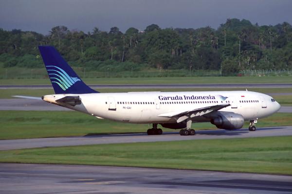 GARUDA INDONESIA AIRBUS A300 SIN RF 212 22.jpg