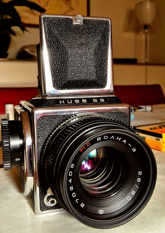 Kiev 88, an almost direct clone of the original Hasselblad 1600 F,now ready to work again!