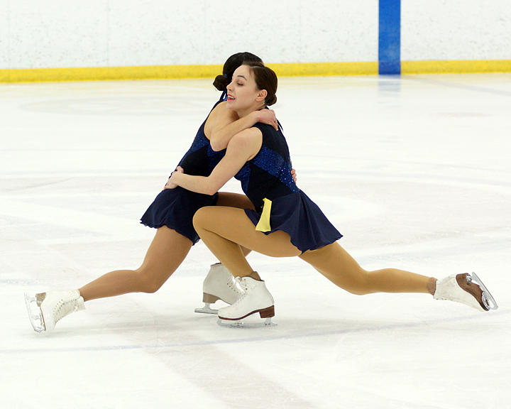 OUA Figure Skating 08103 copy.jpg
