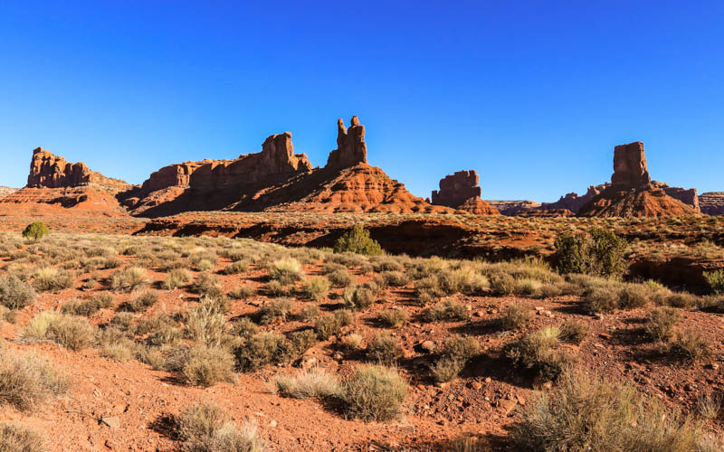 The Rudolph and Santa Claus formation, Stagecoach Rock and Castle Butte in Valley of the Gods
