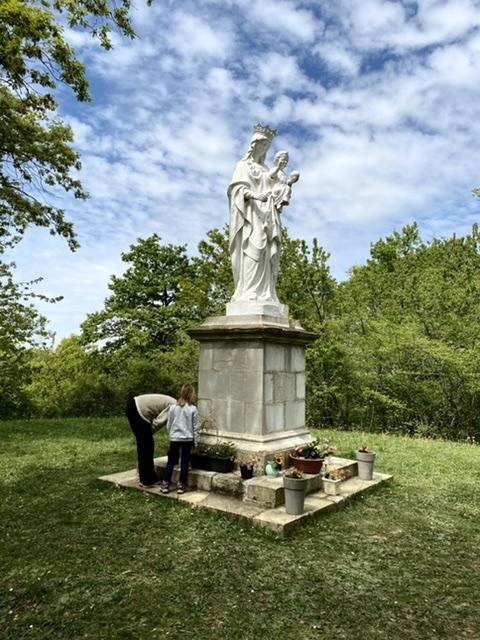 Le but de la balade : la statue de la Vierge de Lahourcade