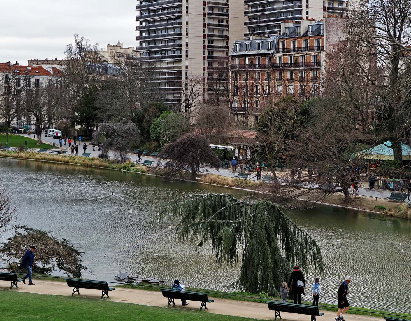 Parc Montsouris; I rented an apartment in the red building.
