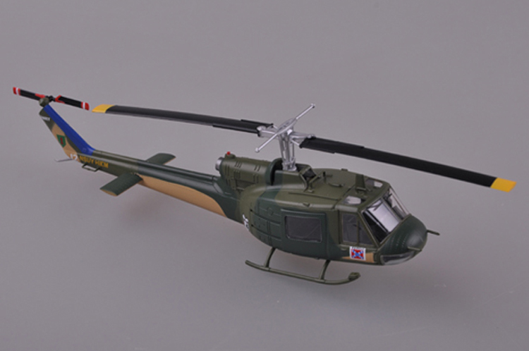 Easy Model 36907-1//72 US Army uh-1b Huey-Vietnam during 1967-nuevo